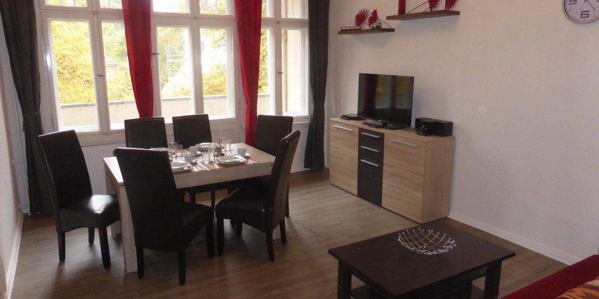 dahlie ferienwohnung apartment berlin apartment. Black Bedroom Furniture Sets. Home Design Ideas